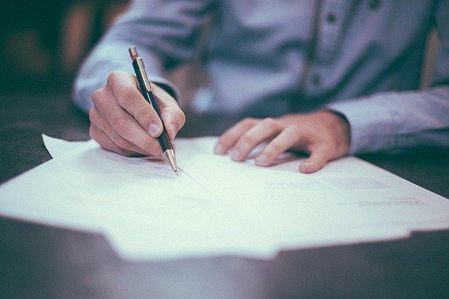 Jakie dokumenty należy złożyć w sprawie o odszkodowanie?